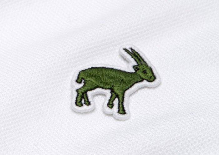 Появление сайгаков на культовых футболках Lacoste оказалось фейком