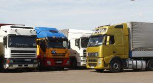 Астраханских перевозчиков удивило решение закрыть проезд грузовикам