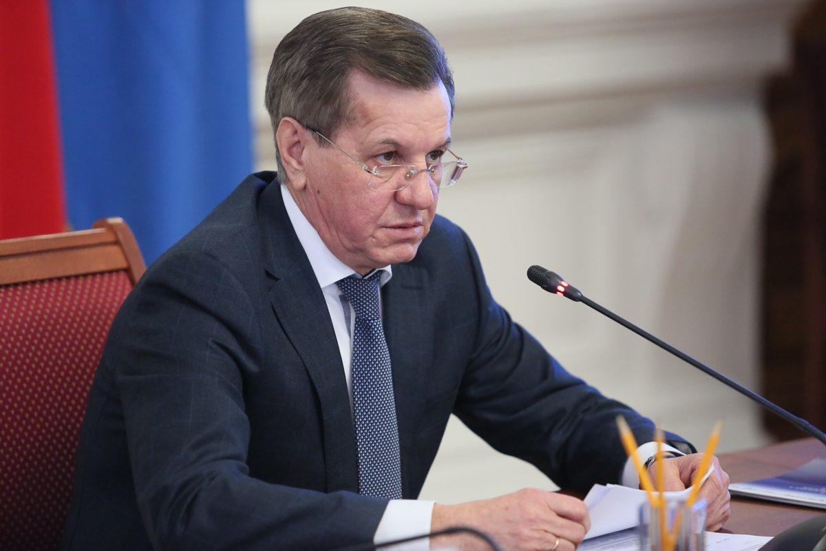 Александр Жилкин пообещал поднимать зарплаты врачам