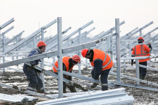 В Астраханской области построили новую солнечную электростанцию