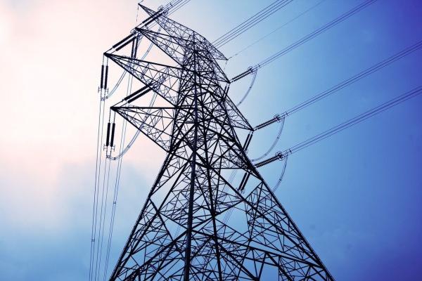 Бесхозные электросети ЛЭП держат астраханское село в страхе