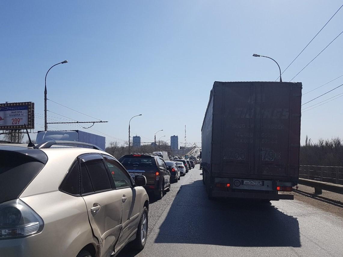 Астраханцы сегодня стали заложниками крупных городских мостов
