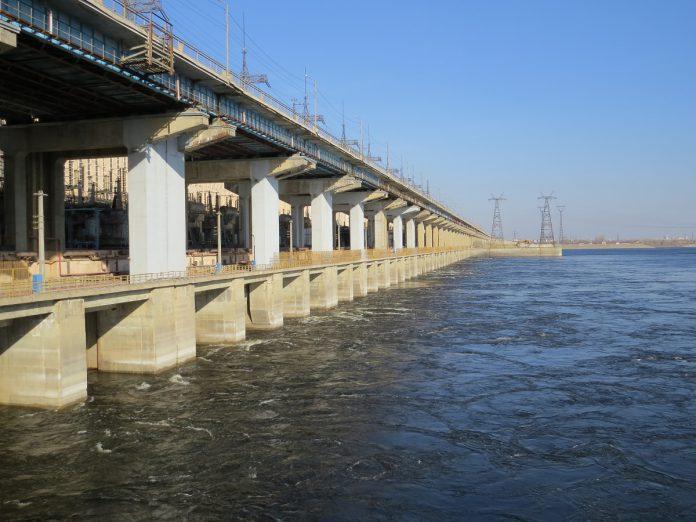 Волжская ГЭС работает в особом режиме