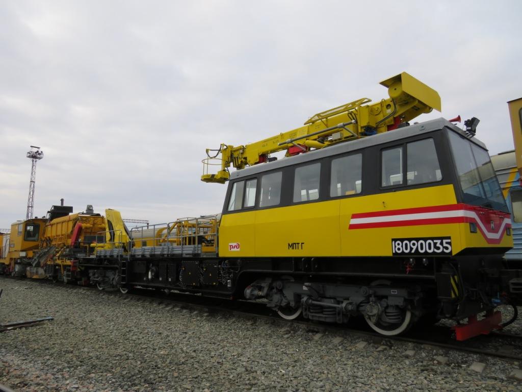 В Астраханский регион ПривЖД поступила новая путевая техника