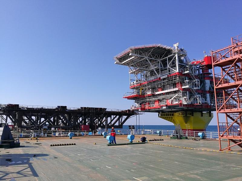 «Каспийская гидротехническая компания» установила Верхнеее Строение Блок-Кондуктора на месторождении