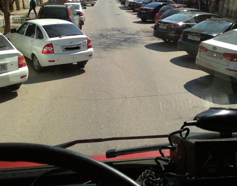 Из-за проблем с парковкой пожарная машина не смогла проехать по улице Эспланадной