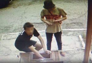 Астраханцы украли из собора Покрова Святой Богородицы ящик для пожертвований: видео
