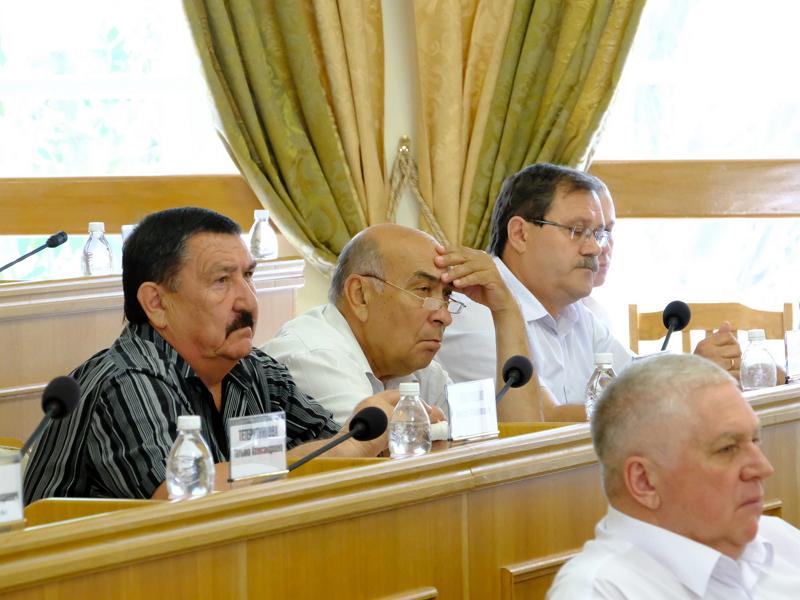 Депутаты Думы Астраханской области не хотят открывать свое голосование