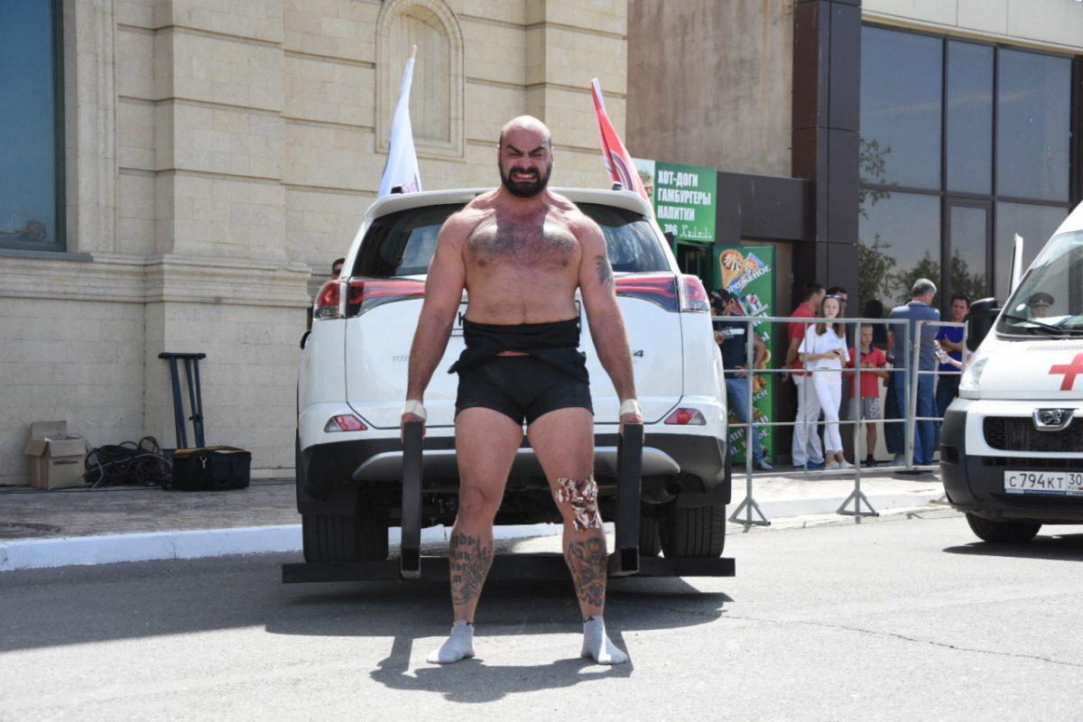 В Астрахань съехались богатыри со всей России: репортаж про силовой экстрим