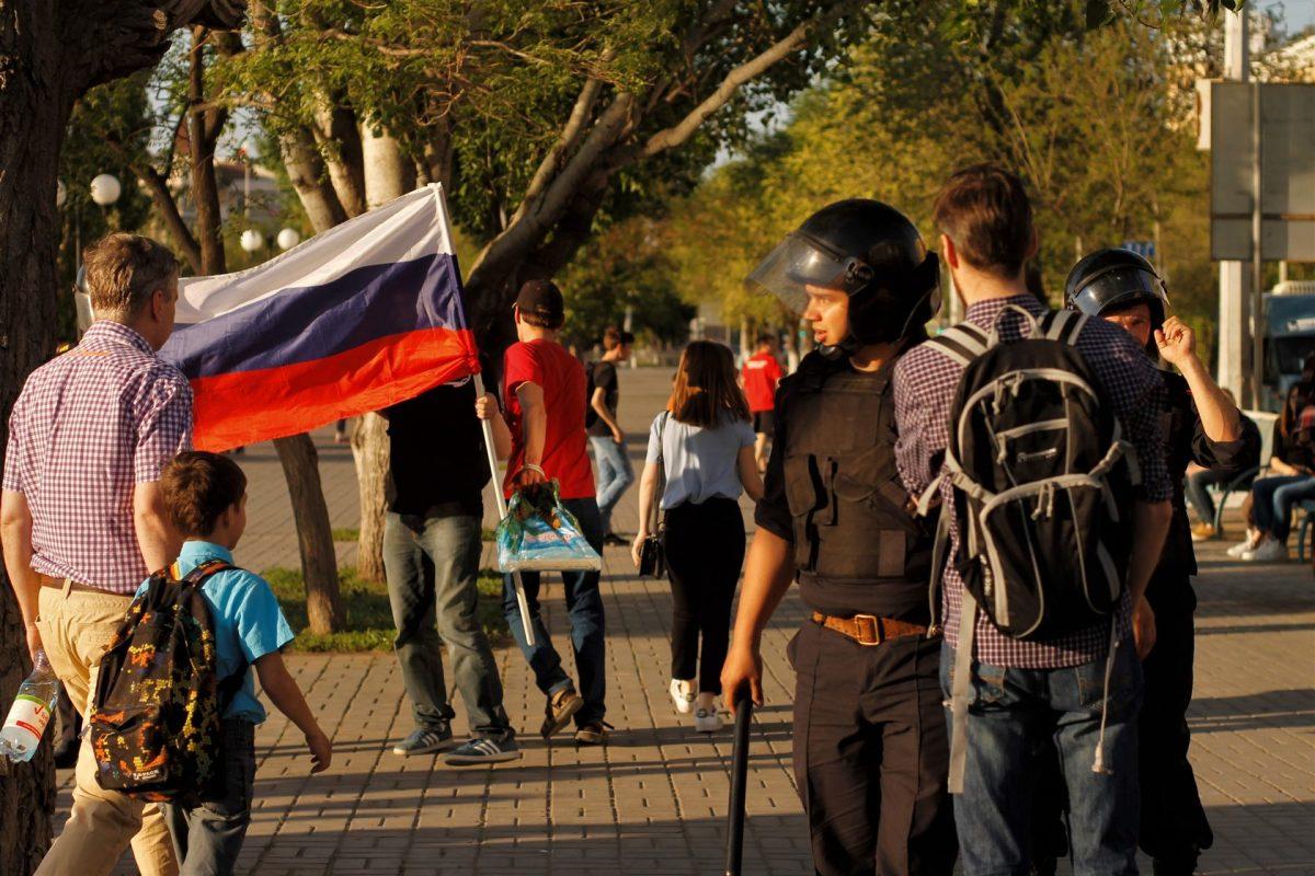 Как в Астрахани прошел митинг «Он нам не царь»: репортаж участника