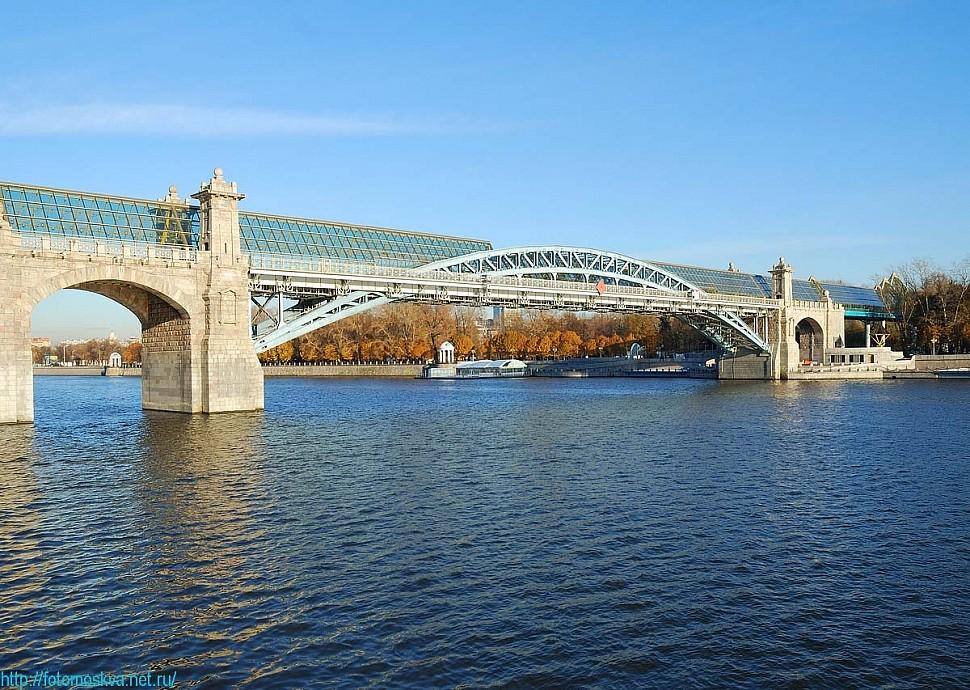 Пьяный астраханец упал с моста в Москве