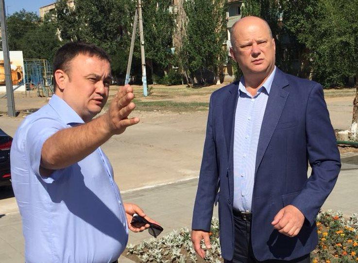 В Трусовском районе продолжаются работы по благоустройству