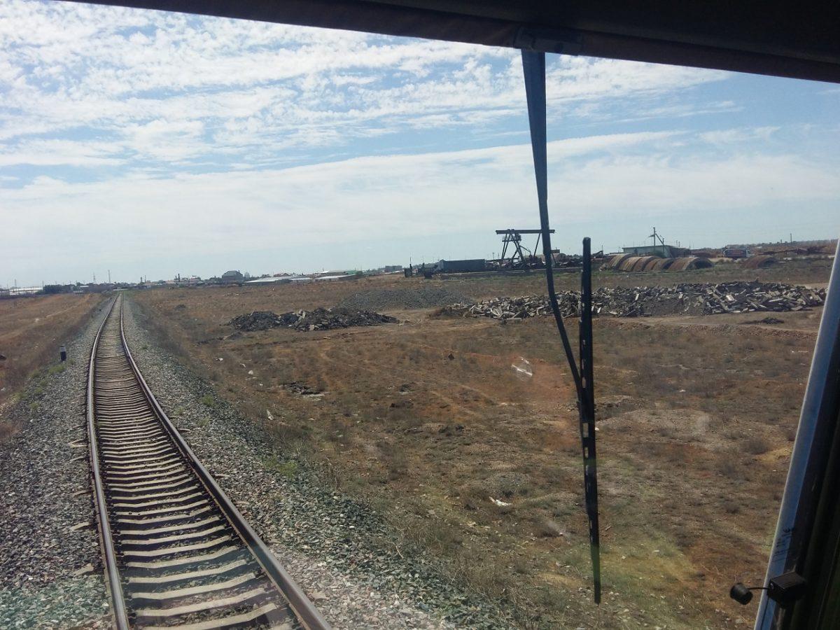 Астраханские железнодорожники провели рейд по свалкам около путей