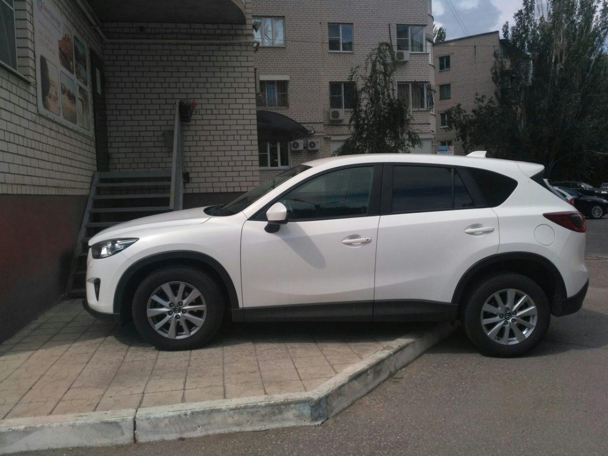 В Астрахани появился претендент на звание «Бог парковки»