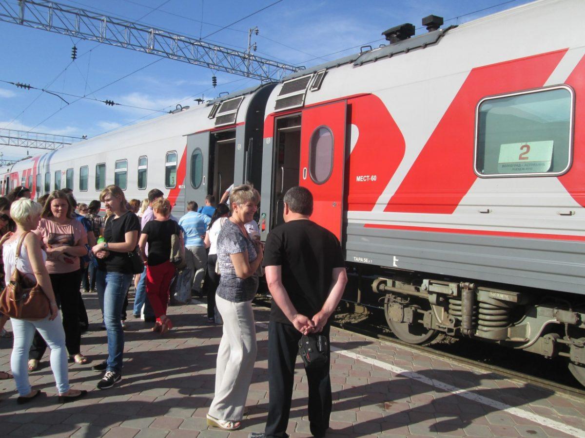 Число пассажиров поезда Астрахань — Волгоград продолжает расти