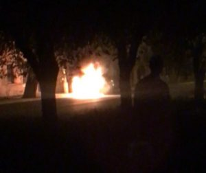 Видео: в самом центре Астрахани сгорел автомобиль