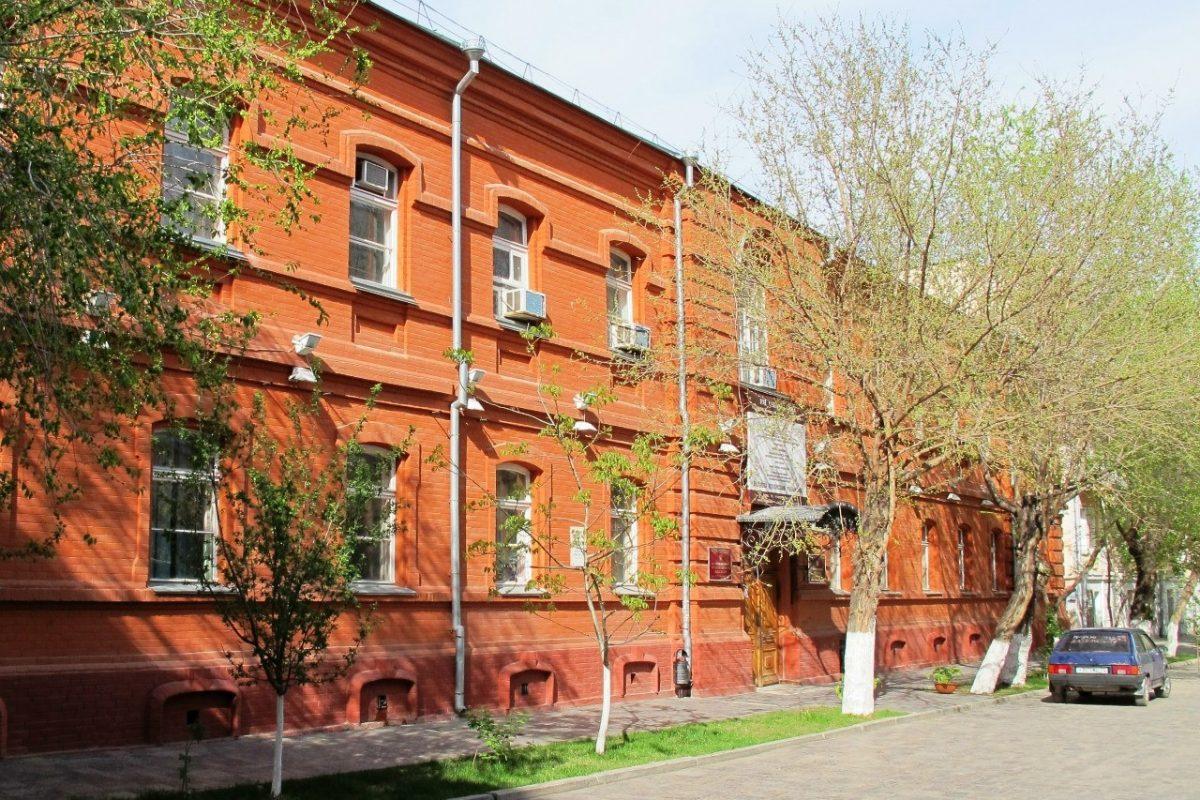 В Астраханском музыкальном колледже впервые заиграет арфа