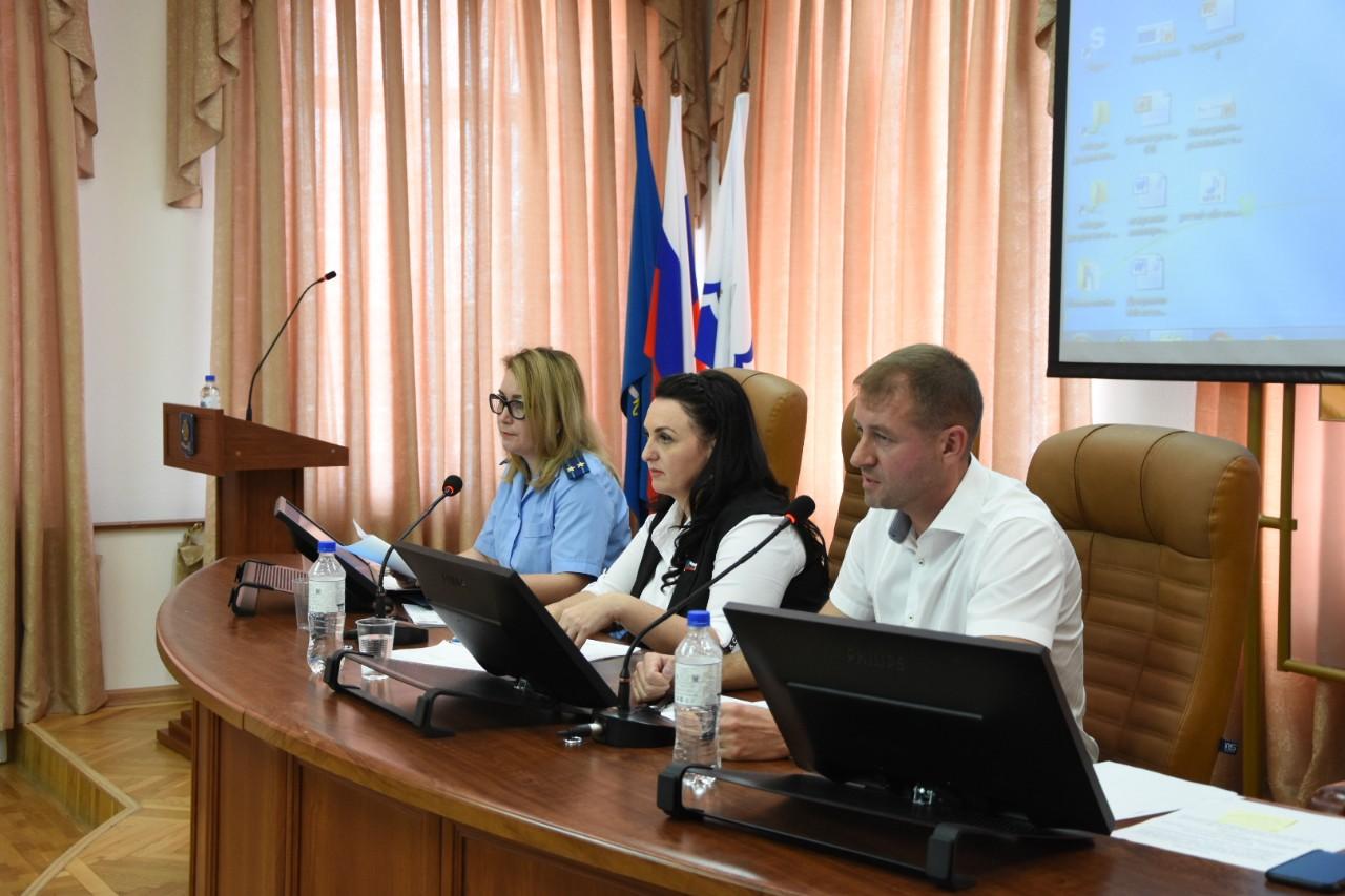 Эльвира Мурадханова, Алена Губанова, Артем Бажан