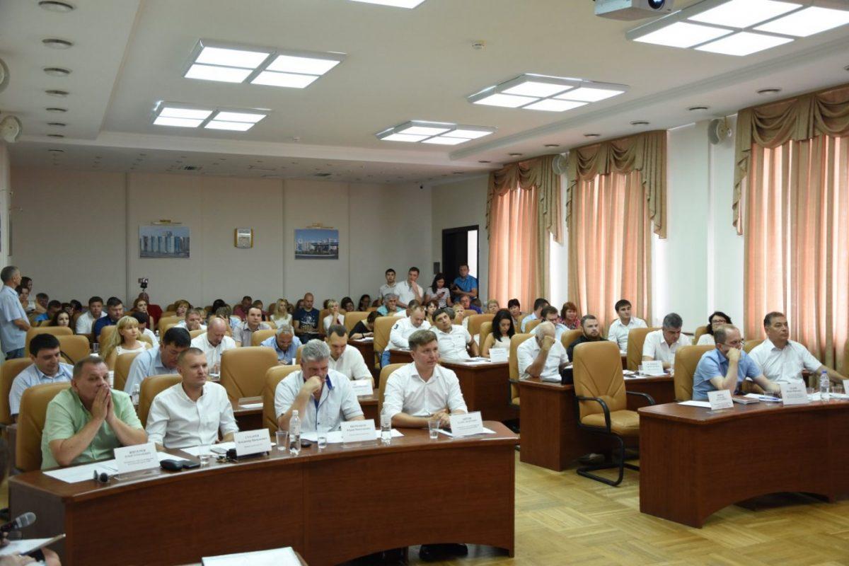 Городские депутаты не приняли отчет главы администрации Астрахани: как это было