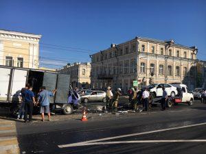 В самом центре Астрахани страшная авария с жертвами