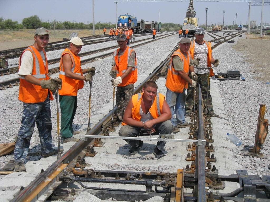 Профессиональный праздник отмечают более семи тысяч астраханских железнодорожников