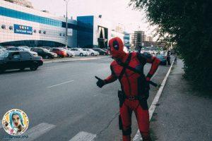 В Астрахани рок-звезда из мира комиксов ловил маршрутку