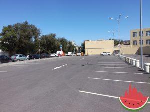 Возле платной парковки в центре Астрахани запретили стоянку