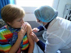 Массовая вакцинация от коронавируса в Астраханской области начнется на следующей неделе