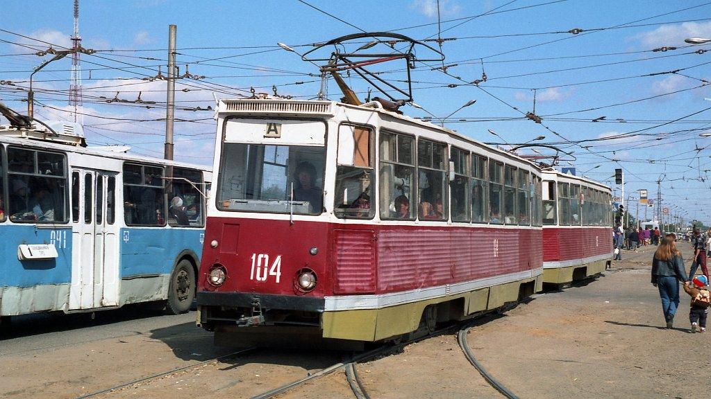 От астраханских властей потребовали возрождения трамваев и троллейбусов