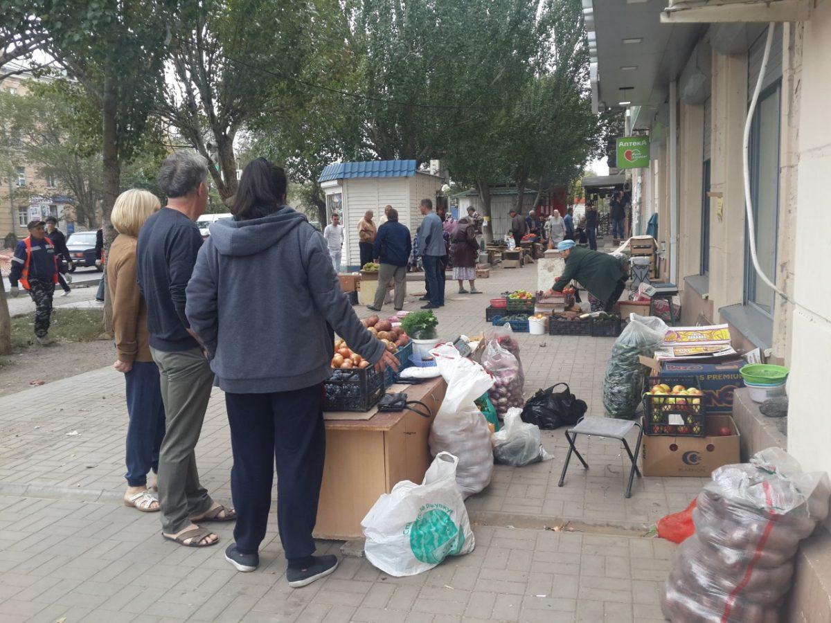 Территорию на улицах Маркина и Яблочкова зачистили от торговцев