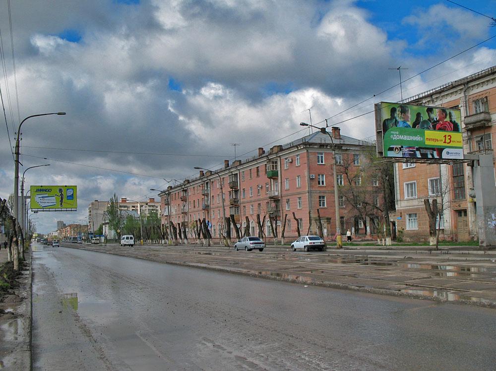 Новому асфальту на улице Яблочкова предрекают быстрое разрушение