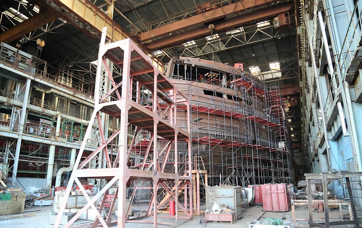 Завод «Лотос» достроит круизный лайнер с опозданием на год