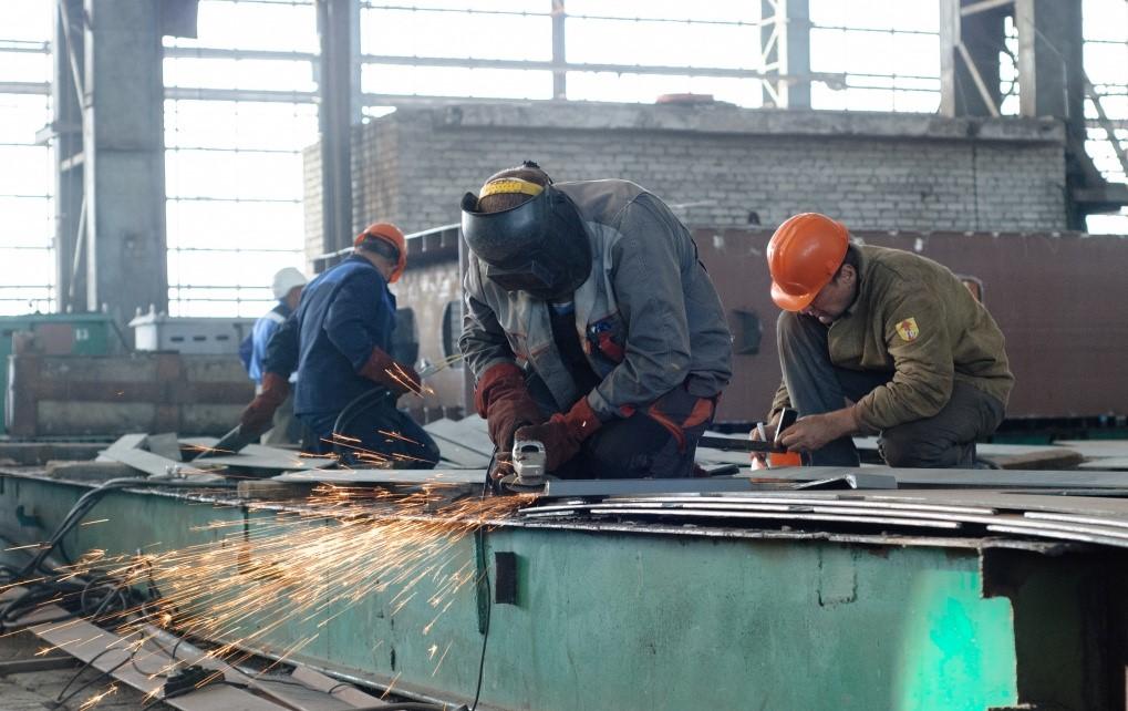 Судостроительный завод в Астрахани значительно увеличит число рабочих мест