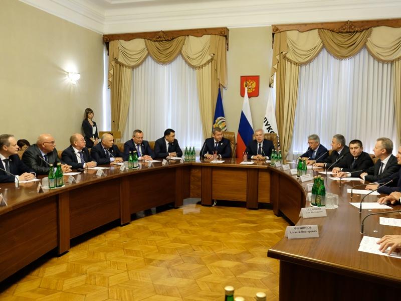 Астраханская область продолжает сотрудничать с «ЛУКОЙЛом»