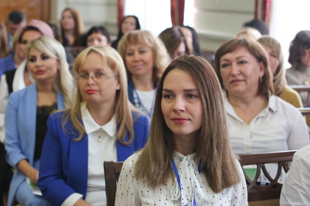 В Астрахани принято решение создать «Союз женщин Каспия»