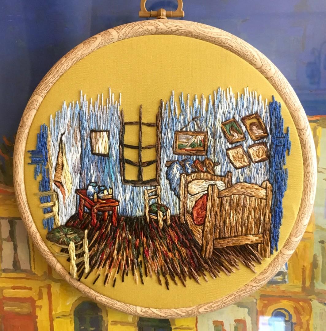 Это моя медитация: Астраханка вышивает картины Ван Гога