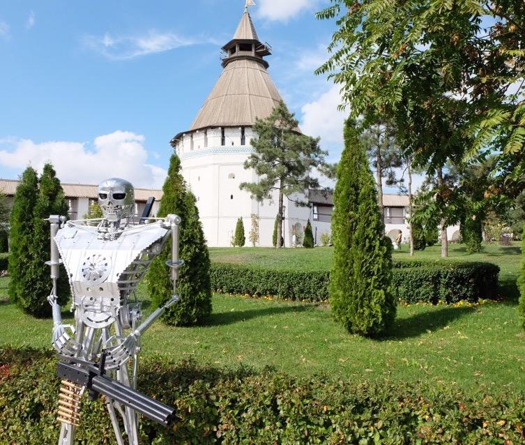Кто и зачем в Астраханской области конструирует Терминатора и Чужого