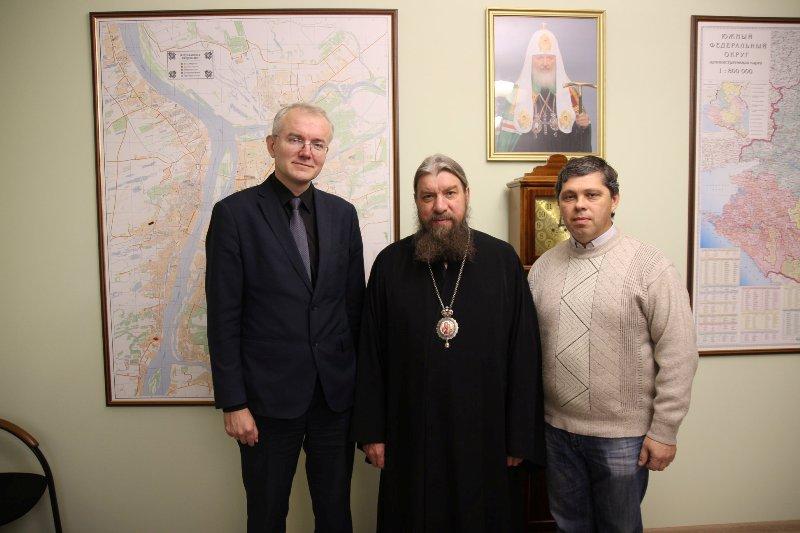 Олег Шеин встретился с митрополитом Астраханским и Камызякским Никоном