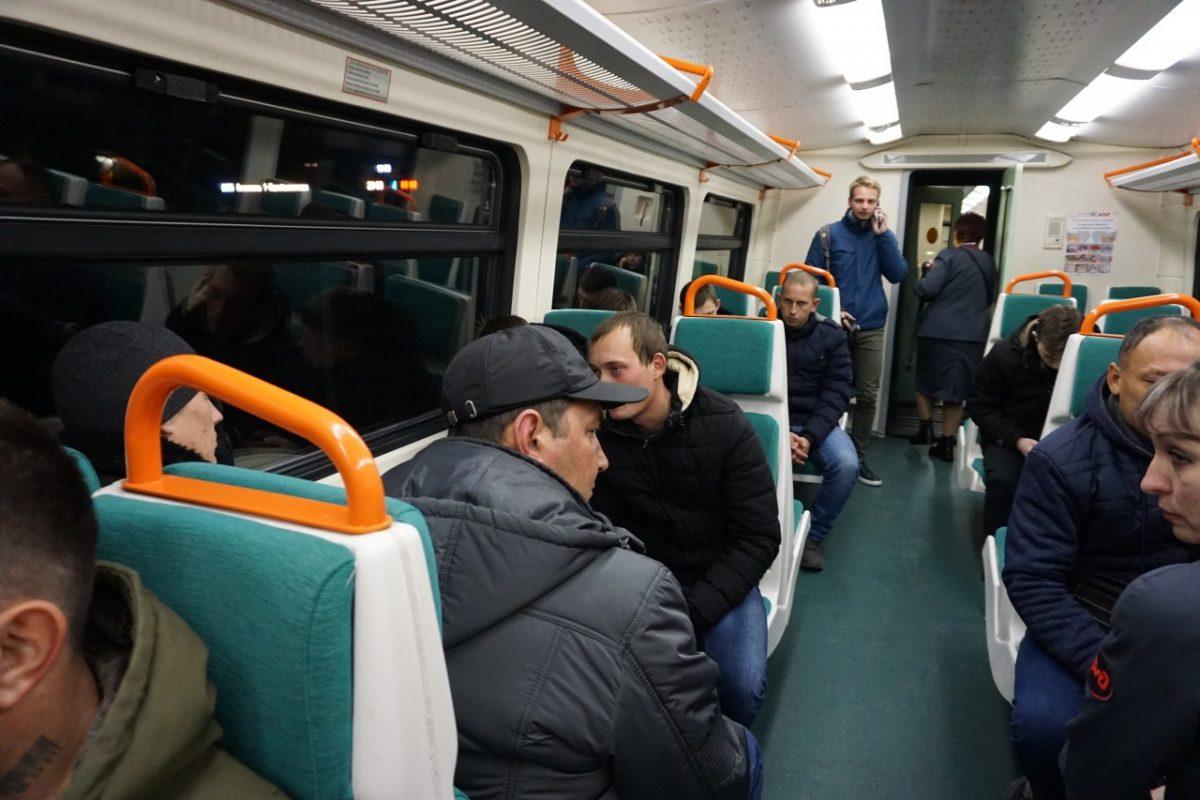 Из Астрахани в Харабали отправился первый пригородный поезд