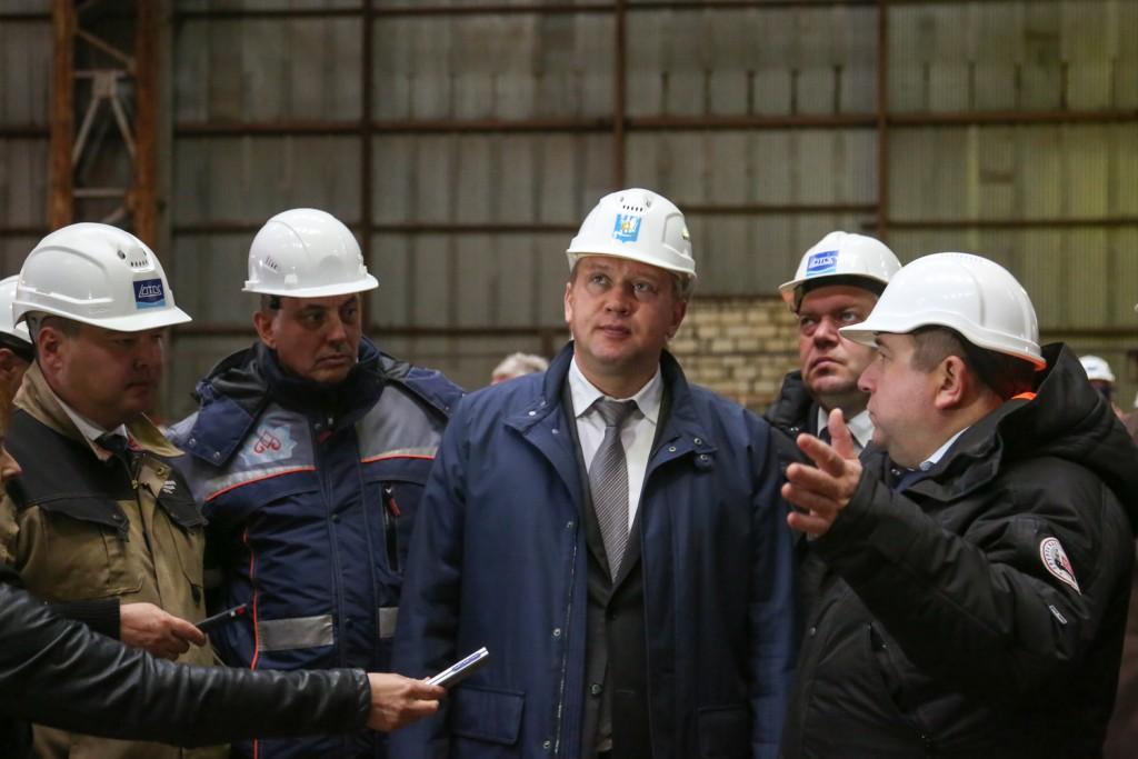 Сергею Морозову продемонстрировали успешную работу завода «Лотос»