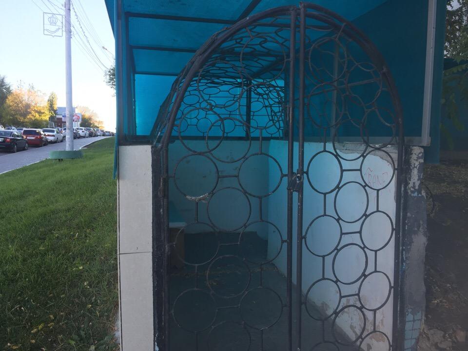 Закрыт единственный цивилизованный туалет в центре Астрахани