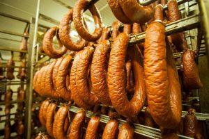 Правительству России предложили ввести акцизы на колбасу