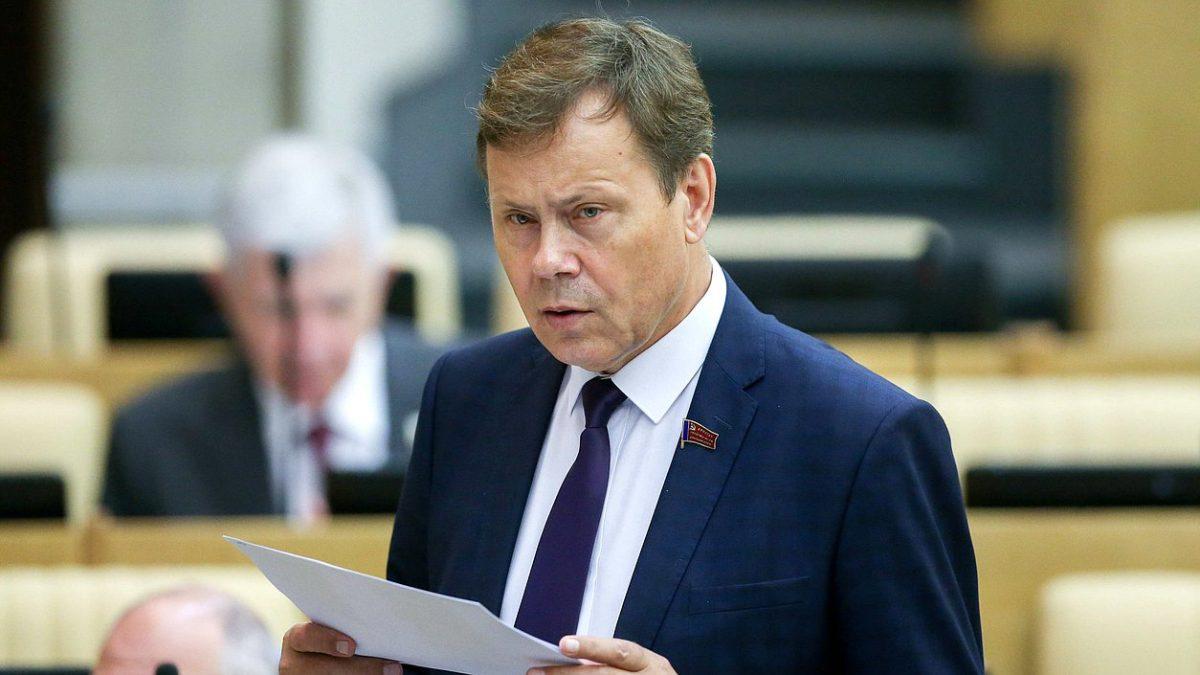 Астраханский депутат Госдумы пожаловался на маленькую пенсию