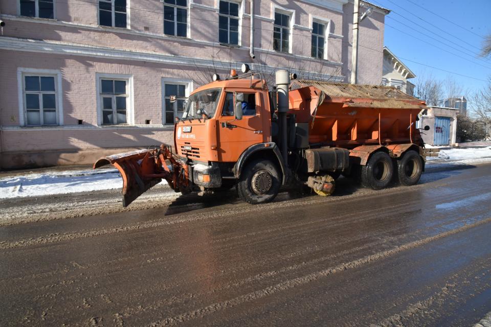 Для улиц Астрахани заготовили 6000 тонн соли и песка