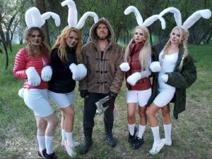 Астраханская группа сняла клип про Деда Мазая и заек в стиле садо-мазо