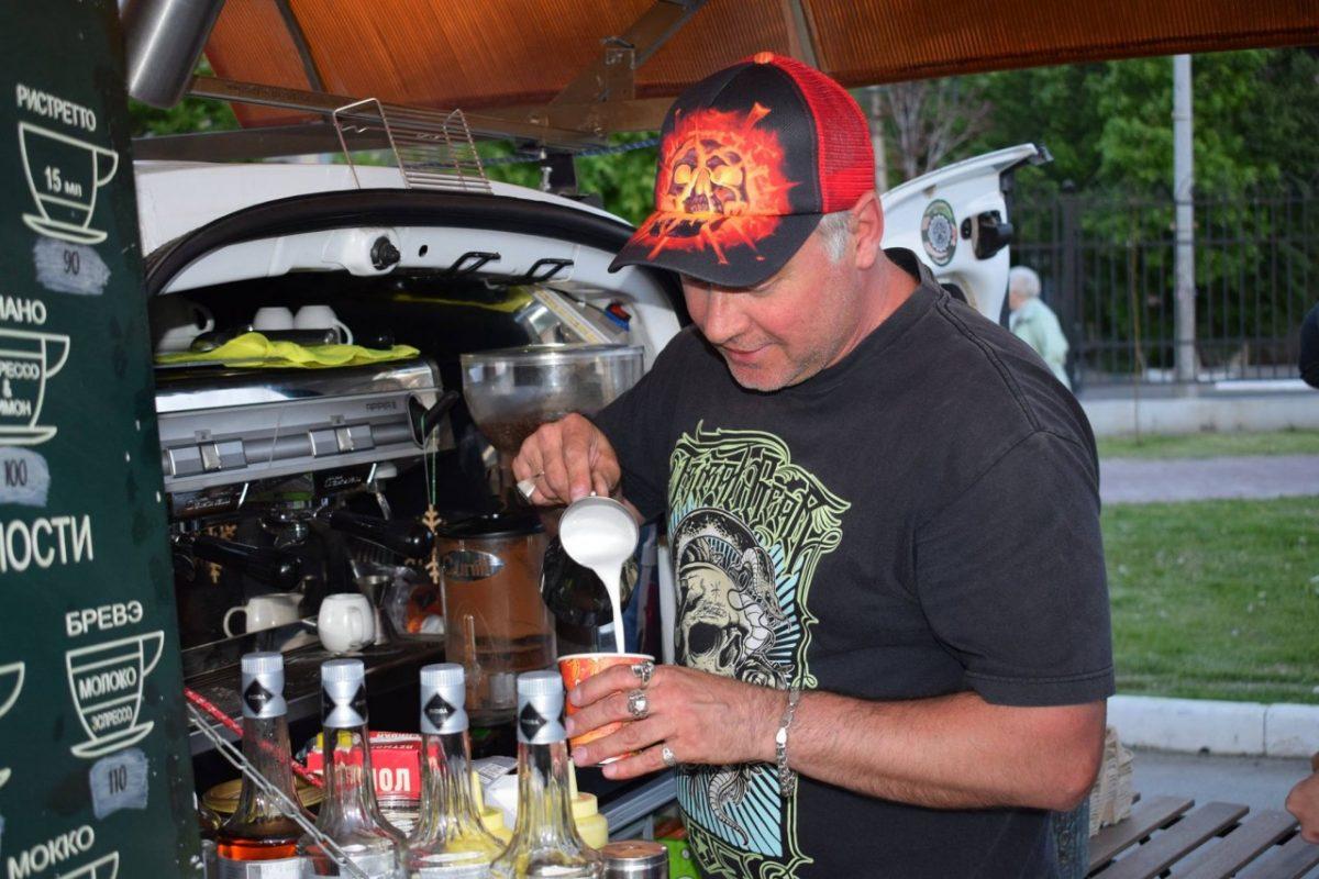 В Астрахани кофейню на колесах попросили уехать из-за «первых лиц»