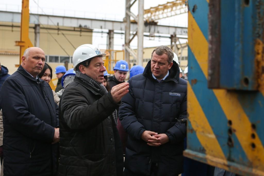 Крымский мост стоит на сваях астраханского производства