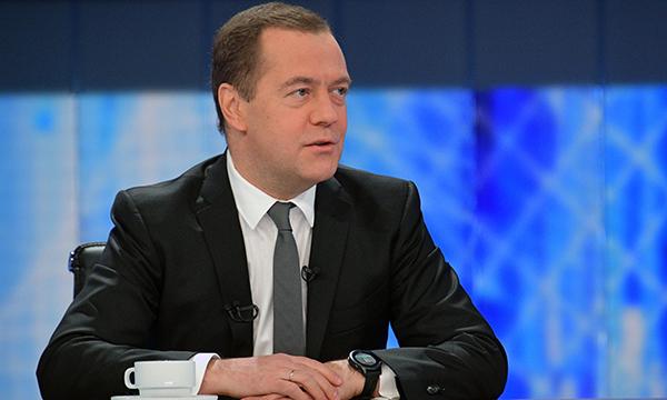 Медведев призвал не манипулировать статистикой смертности