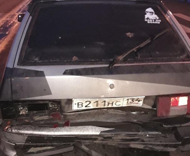 Астраханский таксист устроил аварию под чужим именем