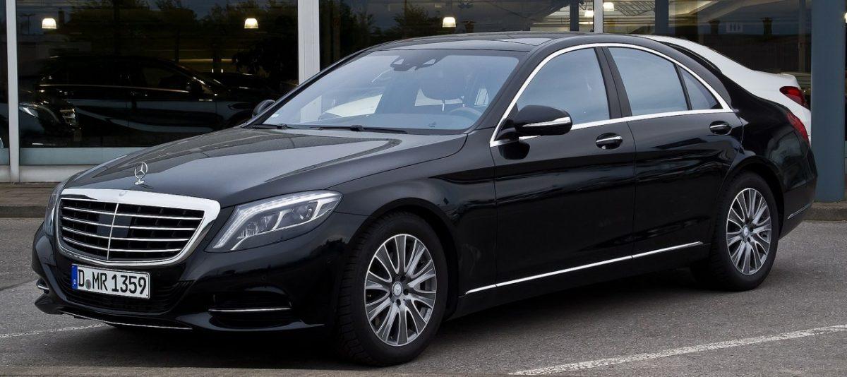 Астраханские «справороссы» ищут подарившего обладминистрации Mercedes S-класса